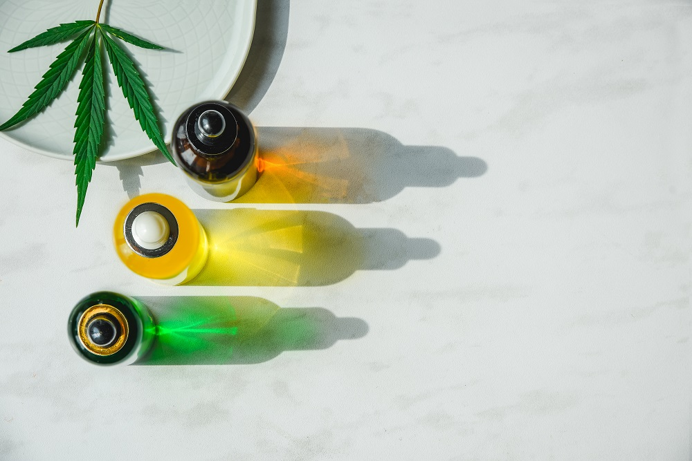 CBD Tinctures vs. Oils: What's the Difference?